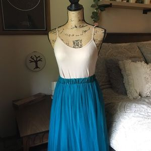 Dresses & Skirts - Teal Tulle Maxi Skirt Size Small